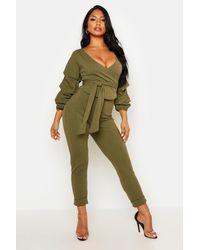 Boohoo Conjunto Coordinado De Pantalón Y Top Cruzado Fruncido - Verde