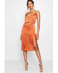Boohoo Vestido Lencero Cruzado De Lunares De Satén Boutique - Naranja