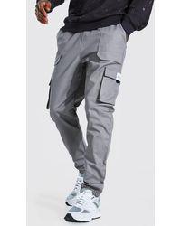 BoohooMAN Cargo-Jogginghosen mit Twill-Gürtel vorn und MAN-Lasche - Grau