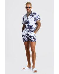 BoohooMAN Ensemble short de bain et chemise à manches courtes effet tie-dye MAN - Bleu