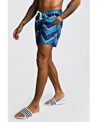 BoohooMAN Chevron Contrast Mid Length Swim Short - Blue