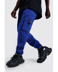 BoohooMAN Twill Cargo-Hose mit Gummi-Etikett - Blau