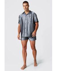 BoohooMAN Man Dash Satin Shirt & Short Set - Grau