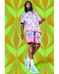 BoohooMAN Oversize Batik T-Shirt und Shorts mit Mushroom-Print - Lila