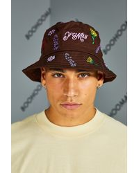 BoohooMAN All Over Embroided Bucket Hat - Brown