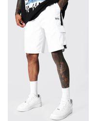 BoohooMAN Man Cargo Short With Side Stripes - Weiß