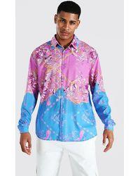 BoohooMAN Gespleißtes, kariertes Oversize Hemd mit Barock-Print - Pink