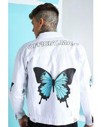 BoohooMAN Veste en denim coupe ample imprimé papillons au dos - Blanc