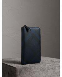 Burberry - London Check Ziparound Wallet Navy/black - Lyst