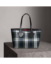 Burberry - The Medium Giant Reversible Tote In Tartan Cotton - Lyst