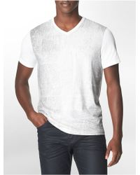 Calvin Klein Slim Fit Static Print V-Neck Cotton T-Shirt - Lyst