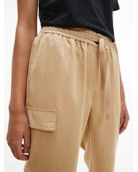 Calvin Klein Pantal�n cargo de sarga suave - Gris
