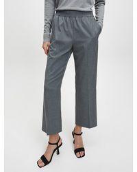 Calvin Klein Fein gestreifte Hose mit weitem Bein - Grau
