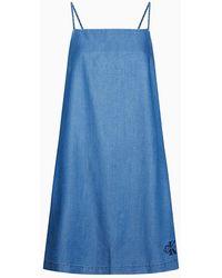 Calvin Klein Uitlopende Denim Jurk Met Spaghettibandjes En Logo - Blauw