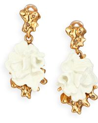 Oscar de la Renta Coral Flower Clip-On Drop Earrings - Lyst