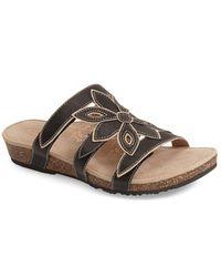 Aetrex - Kristen Cut-Out Leather Sandals - Lyst