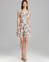 Robert Rodriguez Dress Sleeveless V Neck Floral Poplin Fit and Flare pink - Lyst