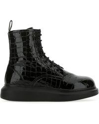 Alexander McQueen Embossed Lace-up Boots - Black