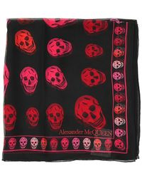 Alexander McQueen All Over Skull Print Scarf - Red