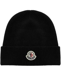 Moncler Logo Patch Knitted Beanie - Black
