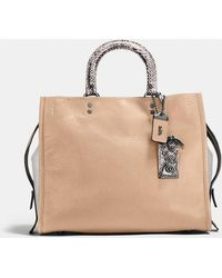 075984066 COACH Rogue Bag In Glovetanned Pebble Leather in Green - Lyst