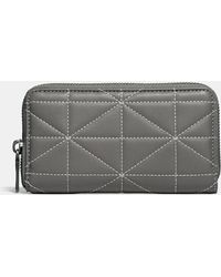 COACH - Zip Around Phone Wallet In Quilted Leather - Lyst