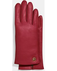 COACH Horse And Carriage Plaque Leather Tech Gloves - Red