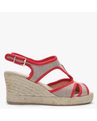 Carmen Saiz Taupe Contrast Trim Cut Away Espadrille Wedge Sandals - Red