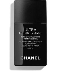 Chanel Blurring Smooth Effect Foundation Velvet Matte Finish Spf15 - Black