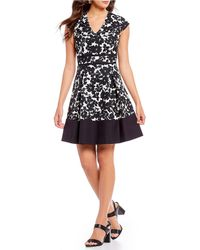 Isaac Mizrahi New York - V-neck Fit And Flare Dress - Lyst