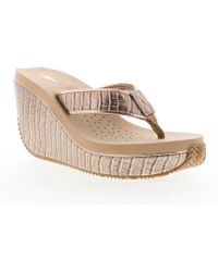 Volatile - Goldmine Wedge Thong Sandals - Lyst