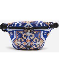 Dolce & Gabbana Gürteltasche Aus Nylon Majolika-Print - Blau