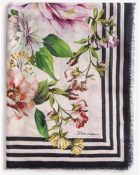Dolce & Gabbana Floral Rose Print Foulard In Cashmere And Modal 140 X 140Cm - 55 X 55 Inches - Mehrfarbig