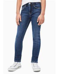 Calvin Klein Jeans con vestibilità skinny, in denim strtch lavaggio dark blue leggermente trattato