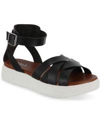 MIA Valarie Platform Sandal - Black