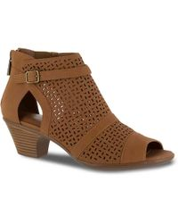 Easy Street Carrigan Dress Shoe - Brown
