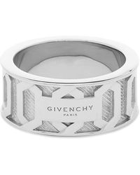 Givenchy Large Engraved Chain Ring - Metallic