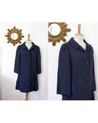 Etsy Manteau De Forme Trapèze Mi-Long Vintage Couleur Bleu Marine En Matière À Rayures Texturé Satiné Des Années 60's 1960's ... - Violet