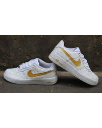 Etsy Chaussures De Style Nike Air Force 1 Gold Hearts Custom Airbrush - Métallisé