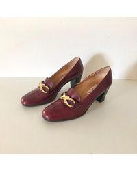 Etsy Celine Vintage Bordeaux Cuir Et Or Chaîne Talons Mocassins Chaussures - Rouge
