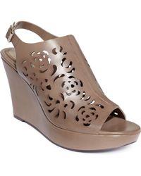 Tahari Womens Jasmine Platform Wedge Sandals - Lyst