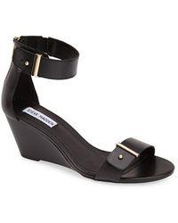 Steve Madden 'Narissaa' Ankle Strap Wedge Sandal - Lyst
