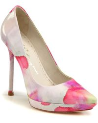 Alice + Olivia Danny Watercolor Patent Leather Pumps - Lyst