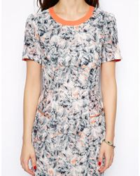 Max C - Max C Printed Peplum Dress With Contrast Piping - Lyst