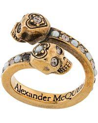 Alexander McQueen - Bague à têtes de mort - Lyst
