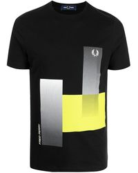 Fred Perry ジオメトリックパターン Tシャツ - ブラック