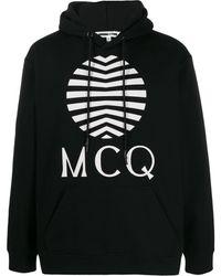 McQ Kapuzenpullover mit Logo-Print - Schwarz