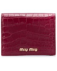 Miu Miu Cartera con efecto de piel de cocodrilo - Rojo