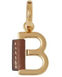 Burberry 'b ' Alfabet Amulet Gewikkeld In Leer - Metallic