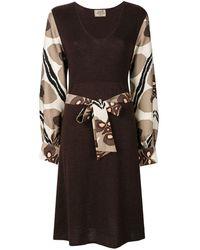 Hermès Платье С Принтом На Рукавах И Поясе На Талии - Коричневый